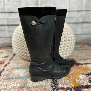 Teva boots 8